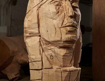 'Dominique Thirion où un brushing pour l'éternité' 2019, cèdre, ht: 160cm