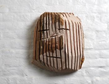 'Francisco est tombé en trotinette' 2019, cèdre, peinture, Annabelle Hyvrier sculpture
