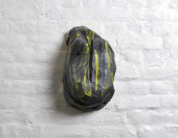 'Fire heart', 2019, cèdre, peinture, ht: 38 x 20 cm, Annabelle Hyvrier sculpture