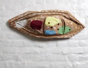 Sans titre, 2019, cèdre, peinture, ht: 26 x 72cm, Annabelle Hyvrier sculpture