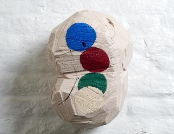 Sans titre, 2019, cèdre, peinture, ht: 35 x 20cm, Annabelle Hyvrier sculpture